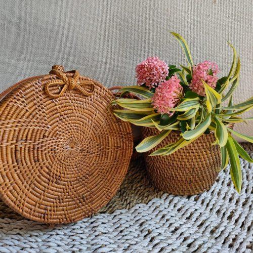 Round Motif Bag Butterfly Clip Rattan Ata (Linen)