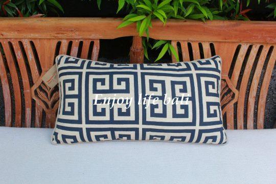 Labirin Pillow On Linen (s)